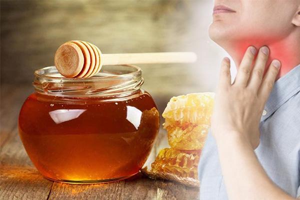 Bài thuốc trị viêm họng hạt với mật ong