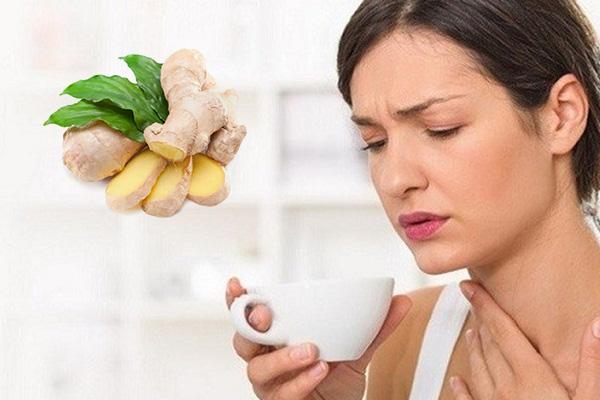 Gừng có tính ấm thường được dùng trong giảm triệu chứng viêm họng hạt